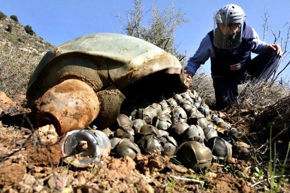 Russian cluster bombs in Syria. Cluster bombs are forbidden by International treaty